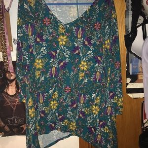 🚨2/$20 Blue floral long sleeve tunic